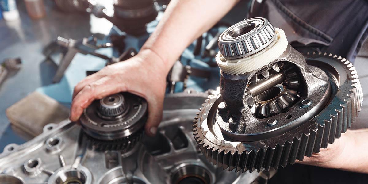 Alan_Reyes_The_Mechanic-Transmission_repair